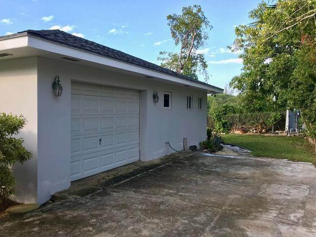 18. Single Family Homes for Rent at Eastern Road, Nassau And Paradise Island Bahamas