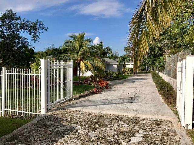 19. Single Family Homes for Rent at Eastern Road, Nassau And Paradise Island Bahamas