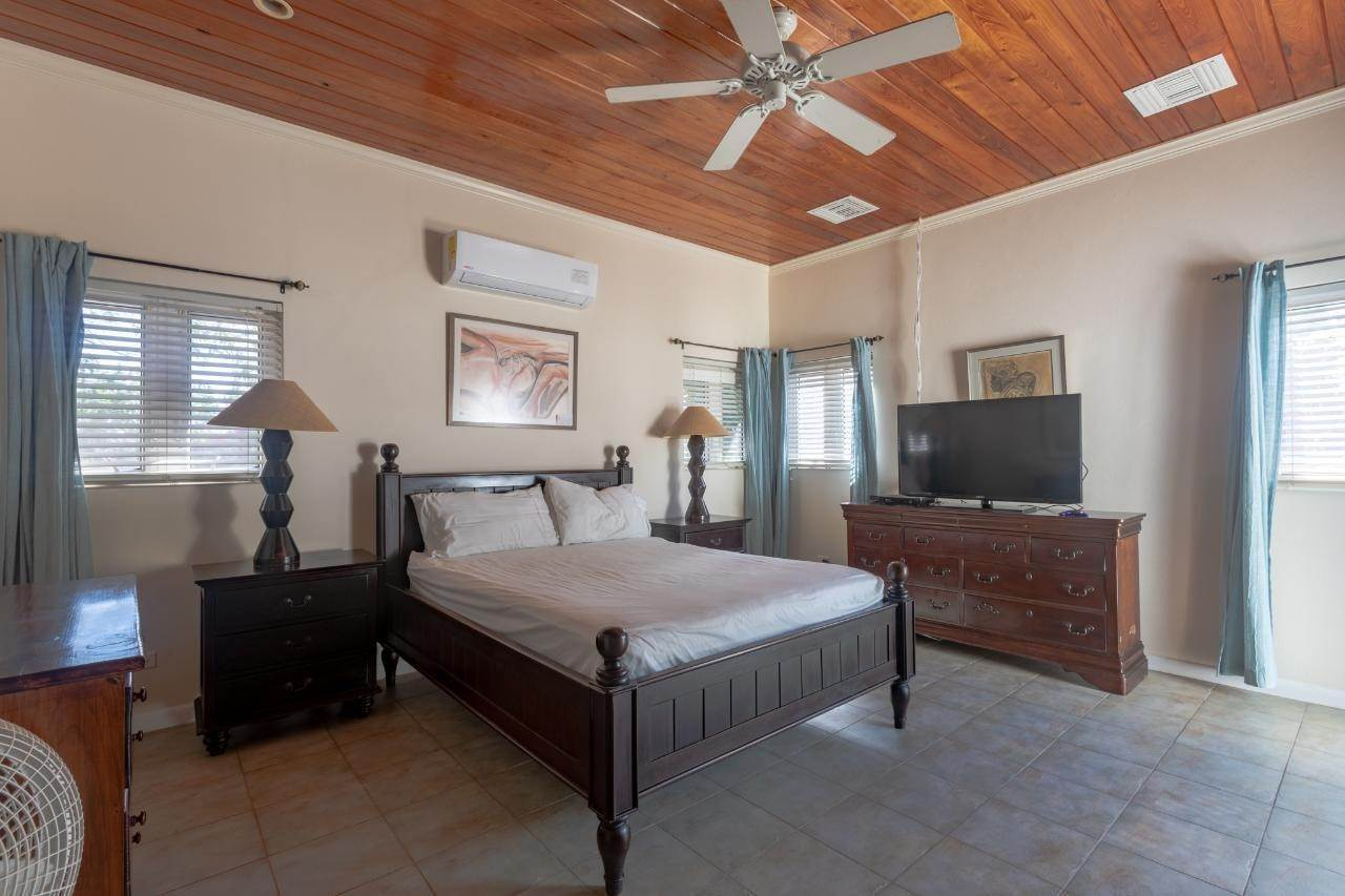 6. Single Family Homes for Rent at Eastern Road, Nassau And Paradise Island Bahamas