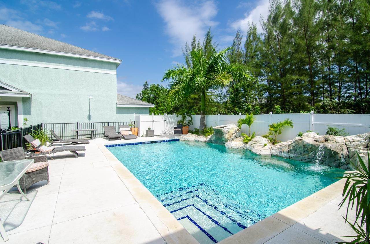 17. Single Family Homes for Rent at West Bay Street, Nassau And Paradise Island Bahamas
