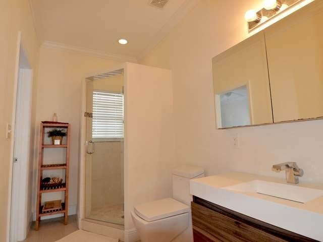 15. Condominiums for Rent at Westridge Estates, Westridge, Nassau And Paradise Island Bahamas