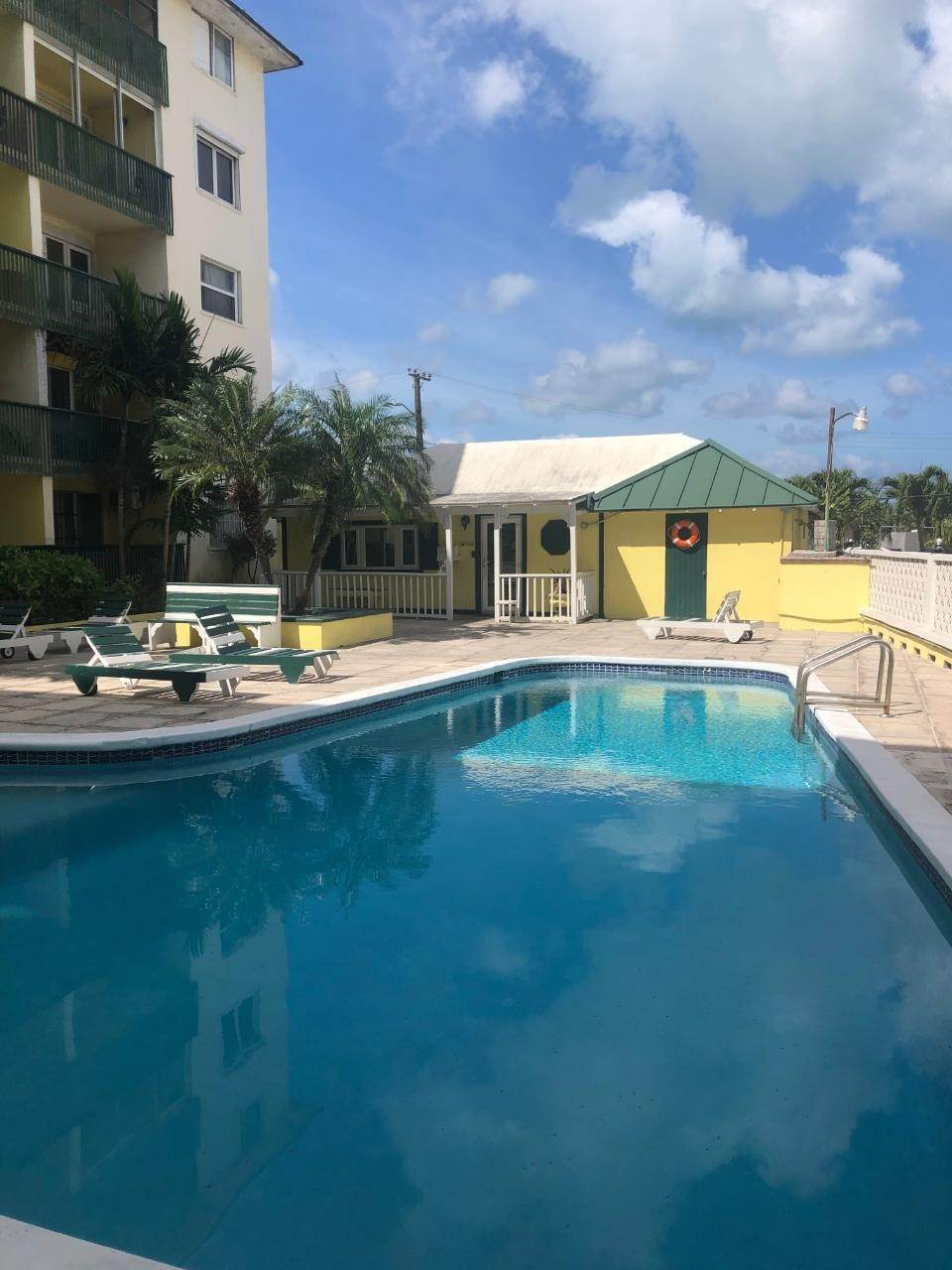 Condominiums for Sale at Downtown, Nassau And Paradise Island Bahamas